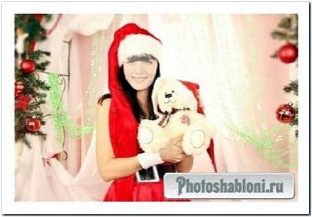 Шаблон для фотомонтажа - Брюнетка в красном костюме снегурочки с игрушкой у елки